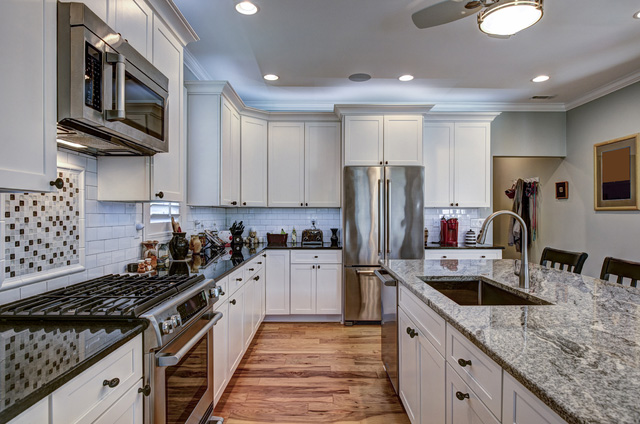 How to match granite countertops and cabinets?